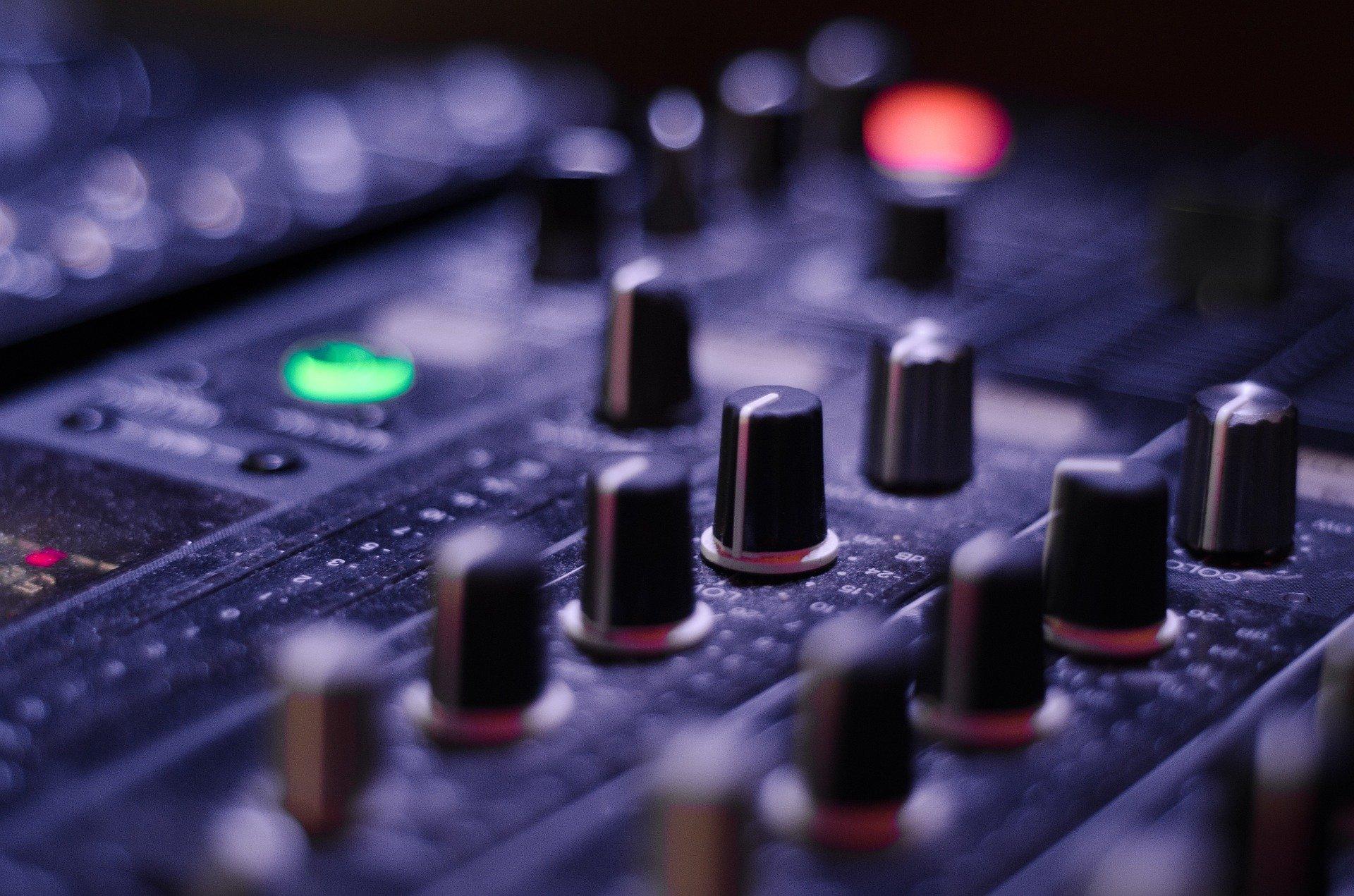 dj mixer london